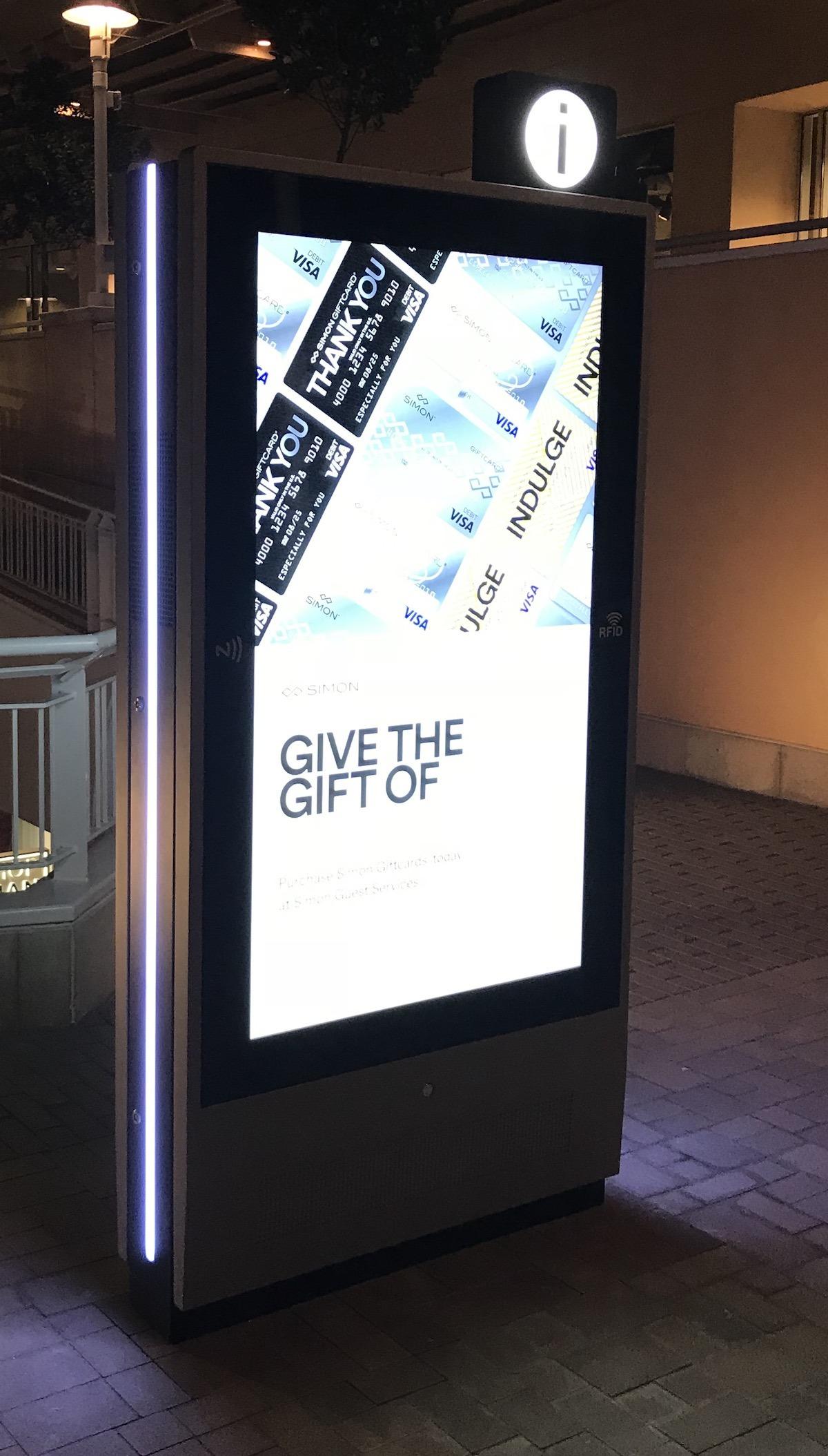 Fashion Valley Mall Digital Displays